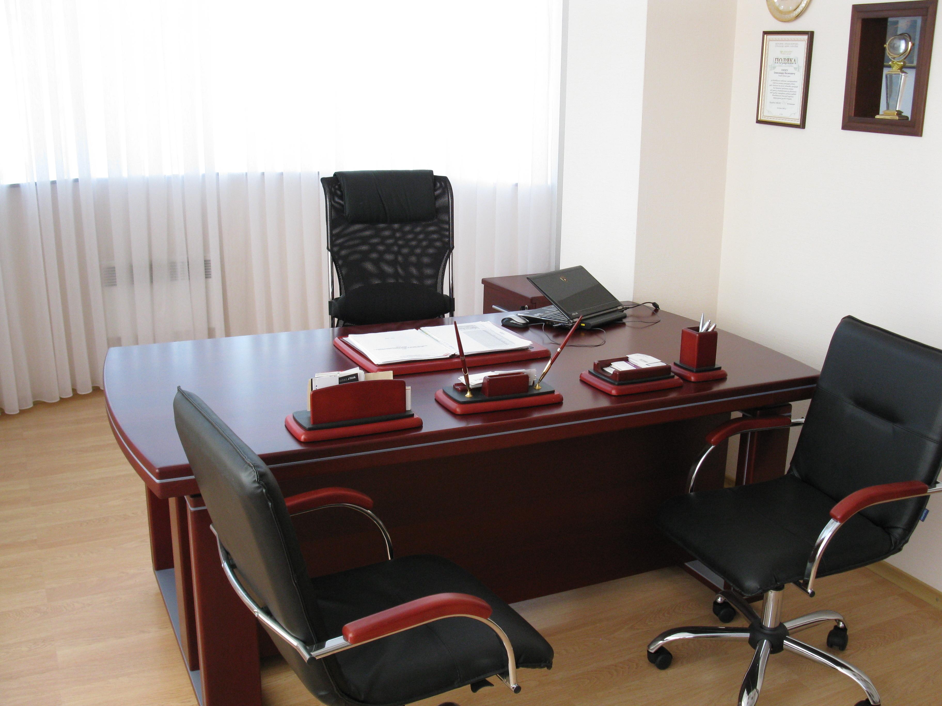 Продам офисную мебель бу в отличном