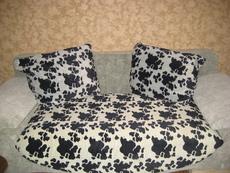 Продам комплект мягкой мебели (диван и 2 кресла).