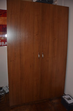 Шкаф в гостиную, практически новый.