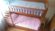 Двухъярусная кровать + 2 матраса