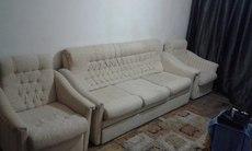 Красивый раскладной диван и два кресла